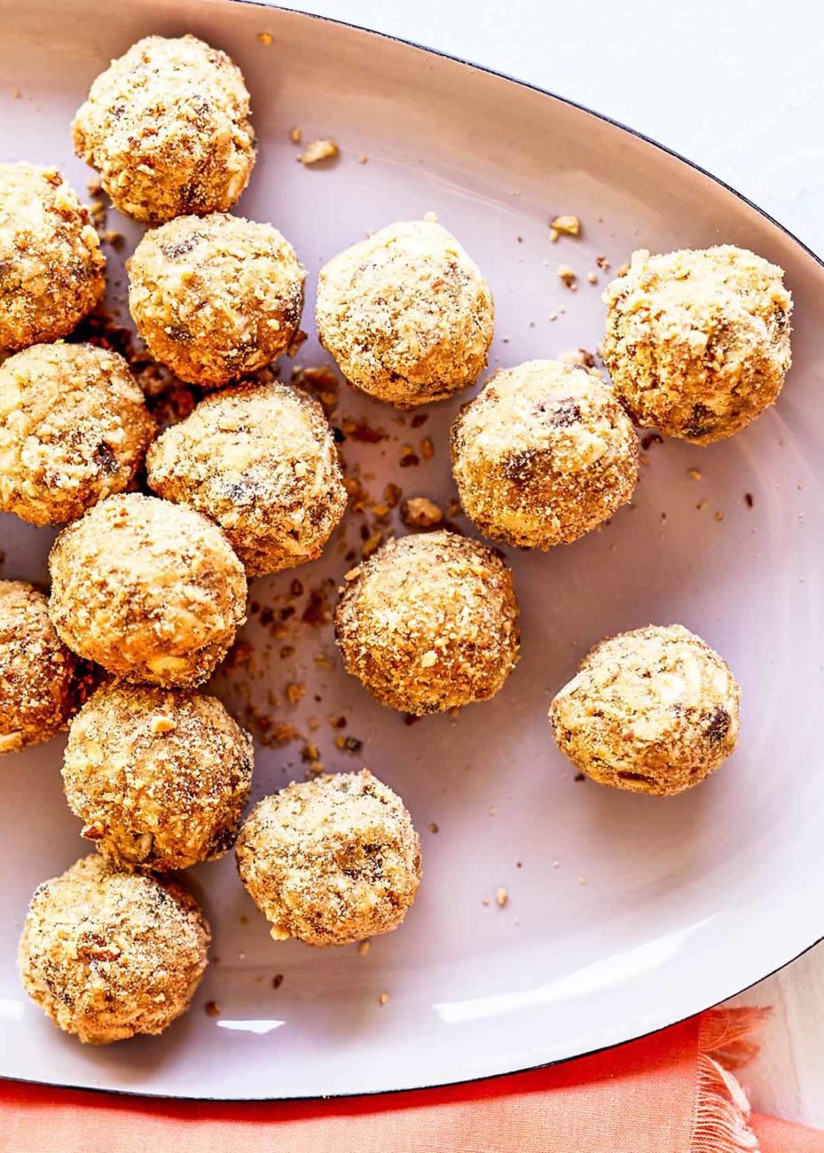 Десертные шарики с арахисовой пастой и шоколадной крошкой