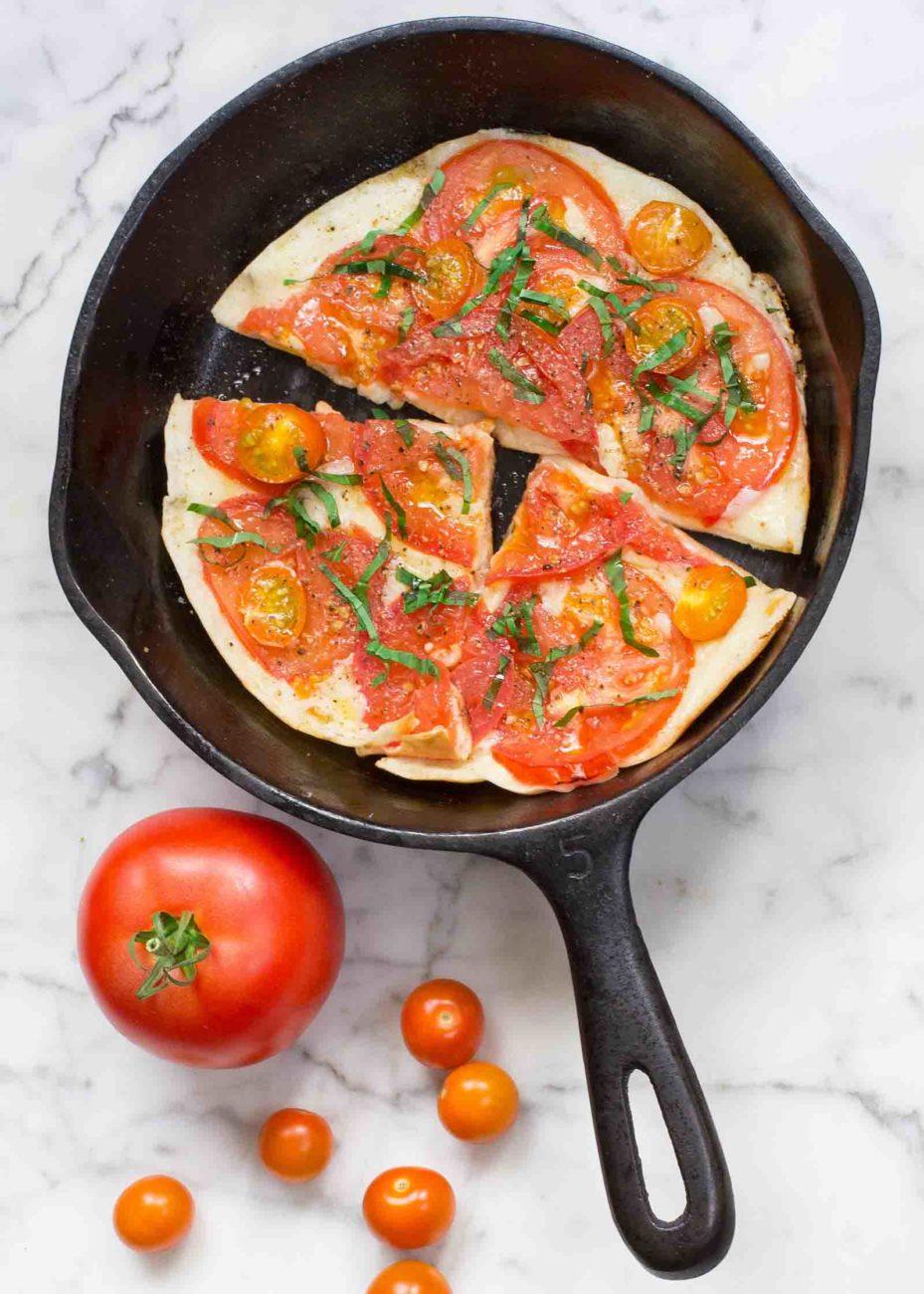 Пита Пицца с моцареллой и помидорами