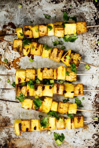 Шашлык из тофу и ананаса